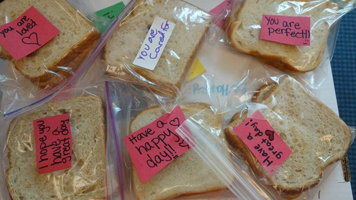 Service - bag lunches